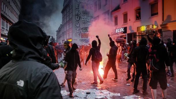 Wie Gewalt mit dem Smartphone organisiert wird