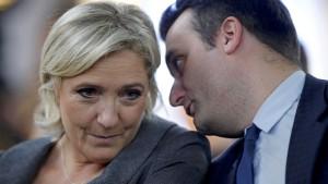 Le Pen leiht Geld vom Vater für ihren Wahlkampf