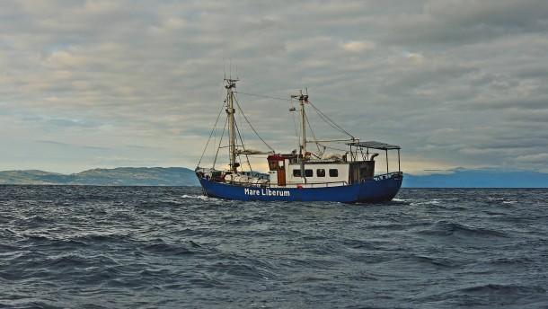 Schiffe von privaten Seenotrettern dürfen auslaufen