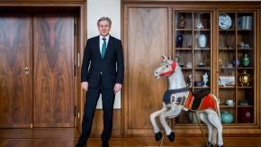 Klaus Wowereit - Mit dem Regierenden Bürgermeister Berlins sprechen Mechthild Küpper und Mathias Wyssuwa