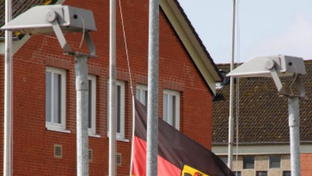 Guttenberg bedauert Tod der Soldaten