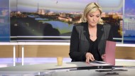 Marine Le Pen rasselt mit dem Säbel