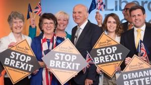 Wähler verpassen großen Parteien Brexit-Denkzettel