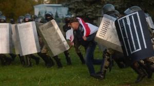 Über 250 Festnahmen bei Protesten gegen Lukaschenka