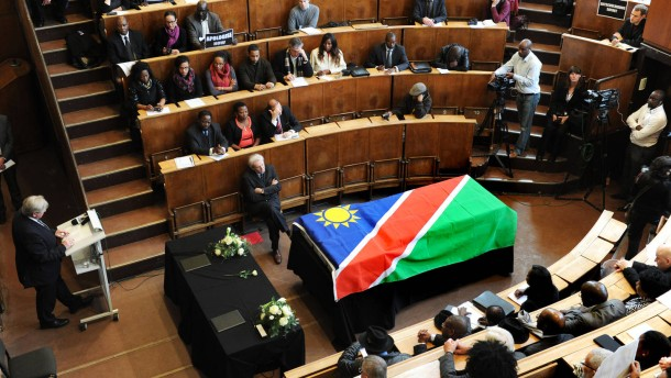 Charité gibt Schädel und Gebeine an Namibia zurück