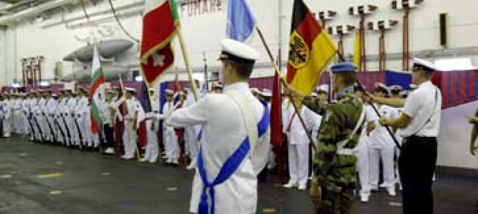 Die italienische Marine gibt das Kommando ab