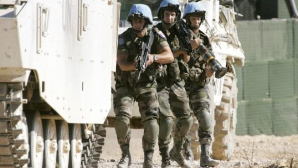 Hizbullah-Anhänger greifen UN-Soldaten an