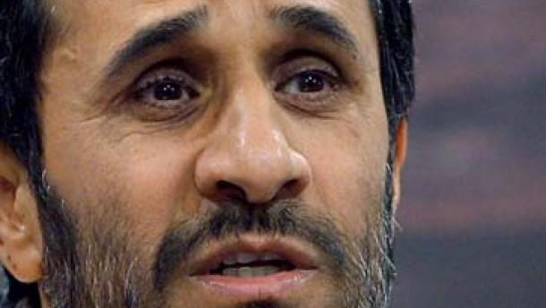 Ahmadineschad bleibt unbeugsam