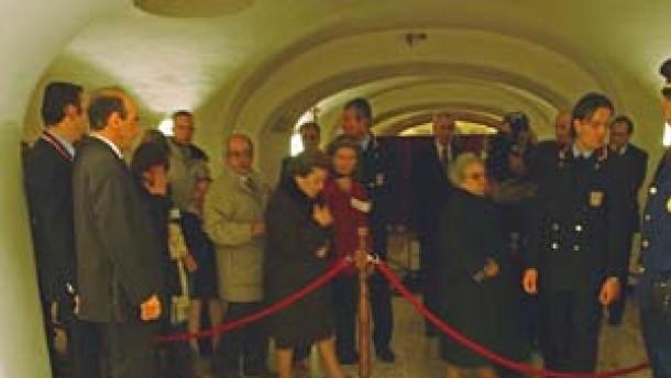 Papst-Grab erstmals öffentlich zugänglich