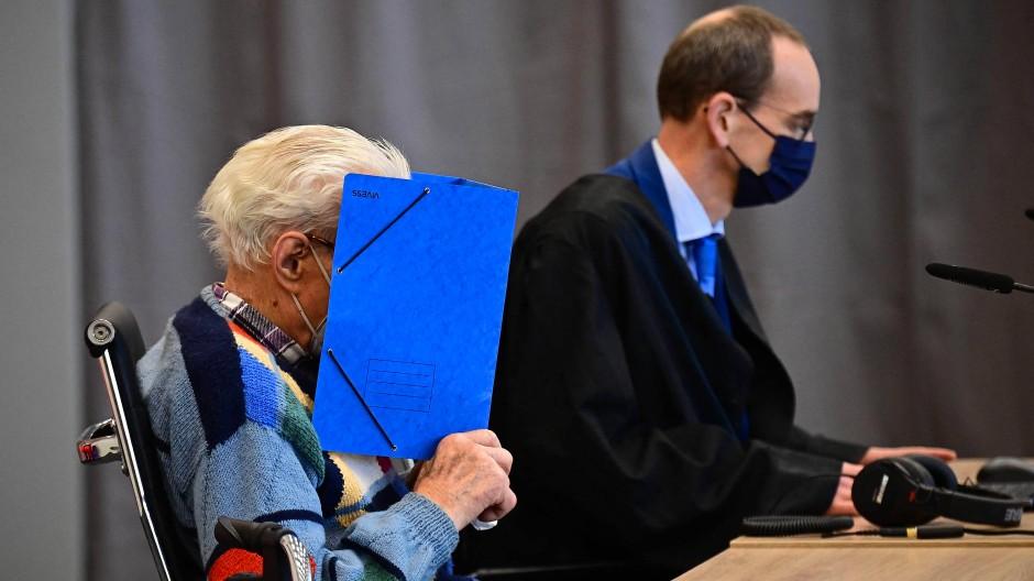 Der 100 Jahre alte Josef S. am 7. Oktober im Gerichtssaal in Brandenburg an der Havel