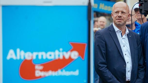 AfD-Landtagsfraktion wählt Kalbitz wieder zum Vorsitzenden