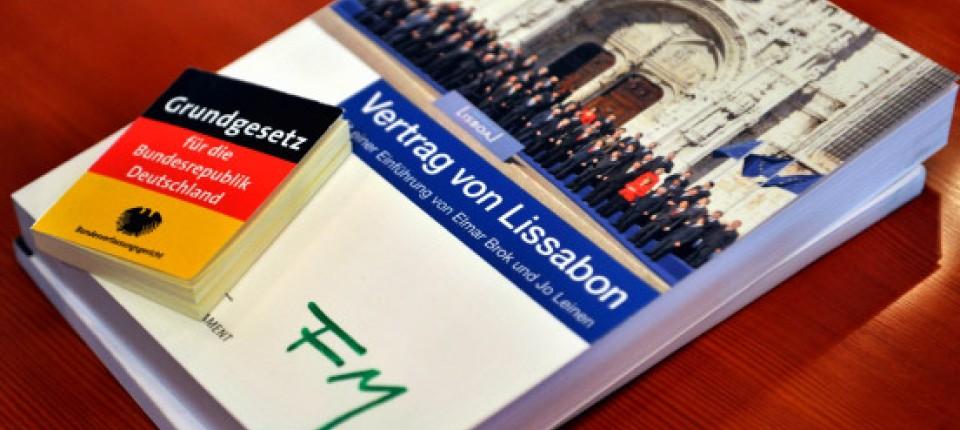Lissabon Vertrag Bundestag Billigt Eu Begleitgesetze Europäische