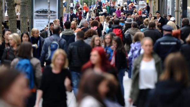 Einwanderung lässt Bevölkerungszahl in Deutschland steigen