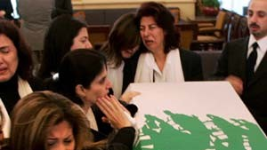 Hariri beigesetzt - Proteste gegen syrische Militärpräsenz