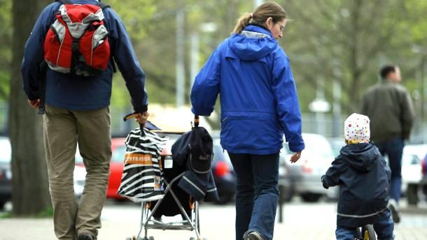 Themendienst Familie: Familienplanung mit Elterngeld