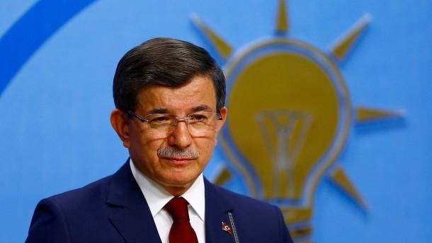 Türkische AKP strebt Parteiausschluss von Davutoglu an