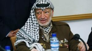 Arafat macht Zugeständnisse, Qurei bleibt im Amt
