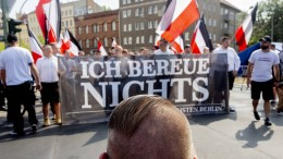 Tausende demonstrieren gegen Neonazi-Aufmarsch in Berlin