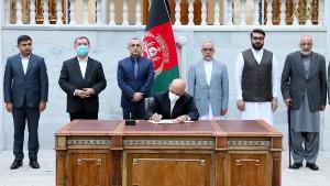 Präsident Ghani will 400 Taliban freilassen