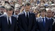 Schweigeminute für die Terroropfer: Ministerpräsident Rajoy (links) mit König Felipe