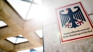 55 Jahre alte Rechtsextremistin soll Brandanschlag geplant haben