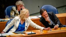 Zwei Ministerinnen in Den Haag treten zurück