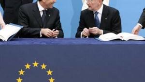 Die EU nimmt Bulgarien und Rumänien auf