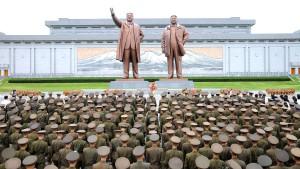"Nordkorea droht Amerika mit ""Geschenkpaket"""