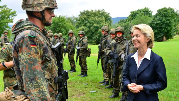 Streit über hohe Kosten bei der Bundeswehr
