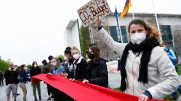 Menschenkette von Fridays for Future ums Kanzleramt