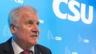 Seehofer will kein Krisentreffen mit Merkel