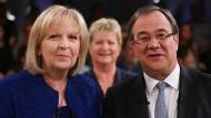 """NRW-Ministerpräsidentin Hannelore Kraft (SPD) und CDU-Herausforderer Armin Laschet (CDU) am Rande ihres Duells in der """"TV-Wahlarena"""" in Köln"""