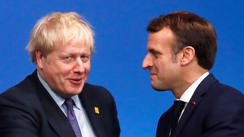 Boris Johnson begrüßt am 4. Dezember beim Nato-Gipfel in London Emmanuel Macron.