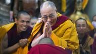 Der Letzte seiner Art? Der Dalai Lama begrüßt Gläubige Anfang Oktober im indischen Dharamsala.