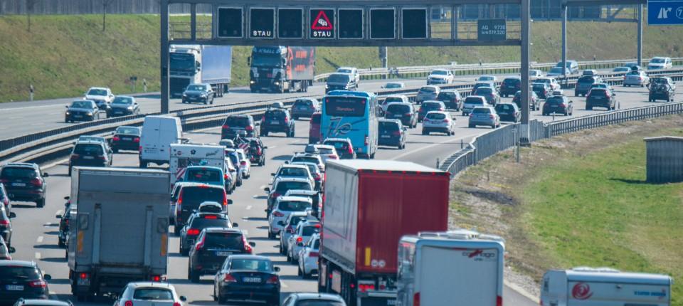 Adac Staugefahr An Ostern Auf Deutschlands Autobahnen