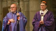 Der Vorsitzende der Deutschen Bischofskonferenz, Kardinal Marx (links), und der Kölner Kardinal Woelki