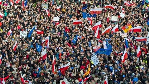 Proteste in Warschau, Sorgen in Berlin
