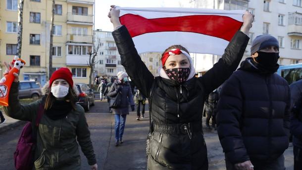 Wieder über 300 Festnahmen in Minsk