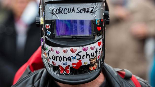 """""""Querdenken"""" darf doch in Leipziger Innenstadt demonstrieren"""