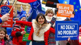 Hunderttausende Briten unterzeichnen Anti-Brexit-Petition