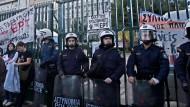 Polizei in Athen räumt besetzten Ex-Staatssender