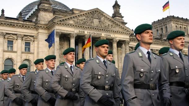 Bundeswehr vor den Reichstag