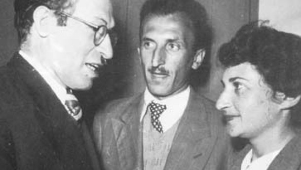 Menachem Begin mit Attentäter Elieser Sudit und dessen Frau Dror neu
