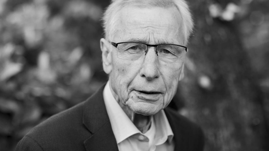 Wirtschaftsminister Peter Altmaier nannte ihn am Sonntag einen großen Patrioten: Wolfgang Clement ist im Alter von 80 Jahren gestorben.