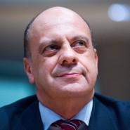 Der Bundestagsabgeordnete Michael Hartmann (SPD) sitzt am 18.12.2014 als Zeuge in der Sitzung des Edathy-Untersuchungsausschusses des Bundestages in Berlin.