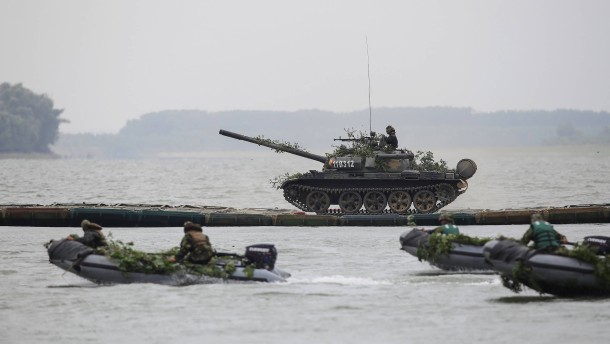 Militärisches Schengen: EU-Kommission will für Panzer das Verkehrsnetz verbessern
