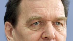 Schröder beruft profilierte Frauen als Ministerinnen