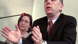 Spielball zwischen Gewerkschafts- und Kanzlerinteressen