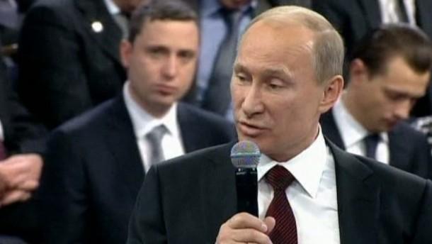 Putin unterstellt Gegnern schmutzige Tricks und Mordpläne
