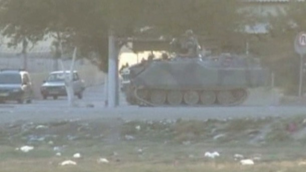 Gefechte an Grenzübergang zur Türkei
